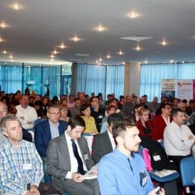 """Antreprenorii aradeni s-au intalnit cu specialisti din cele mai renumite companii in cadrul seriei de evenimente """"IMM ReStart – Descopera-ti potentialul"""""""