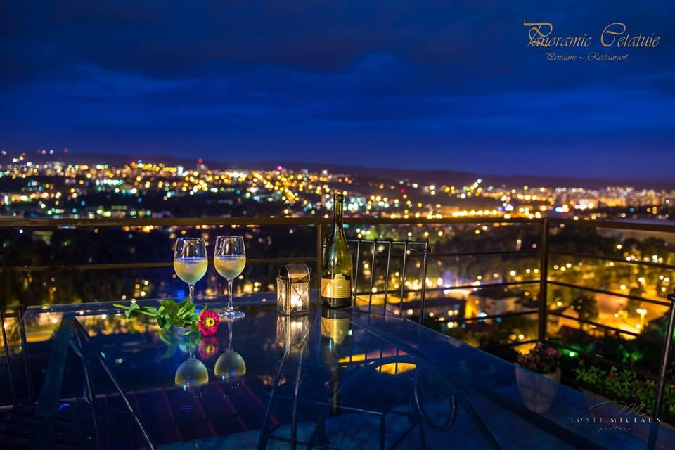 Panoramic Cetatuie Bed & Restaurant