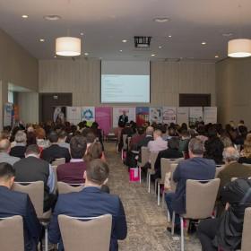 """Doingbusiness.ro a lansat la Brașov conferința națională """"Business to more Business"""". Evenimentul a beneficiat de o audiență record în rândul conferințelor regionale organizate de Doingbusiness.ro"""