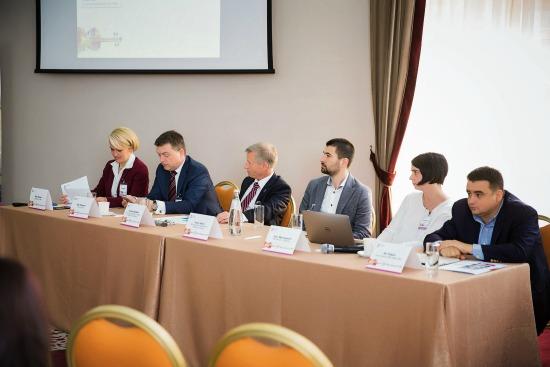 Panel_Speakeri_STH